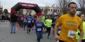 Get Your Rear in Gear Tulsa Run start