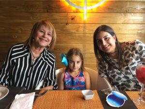 Rebeca Busquets Villegas mom & daughter